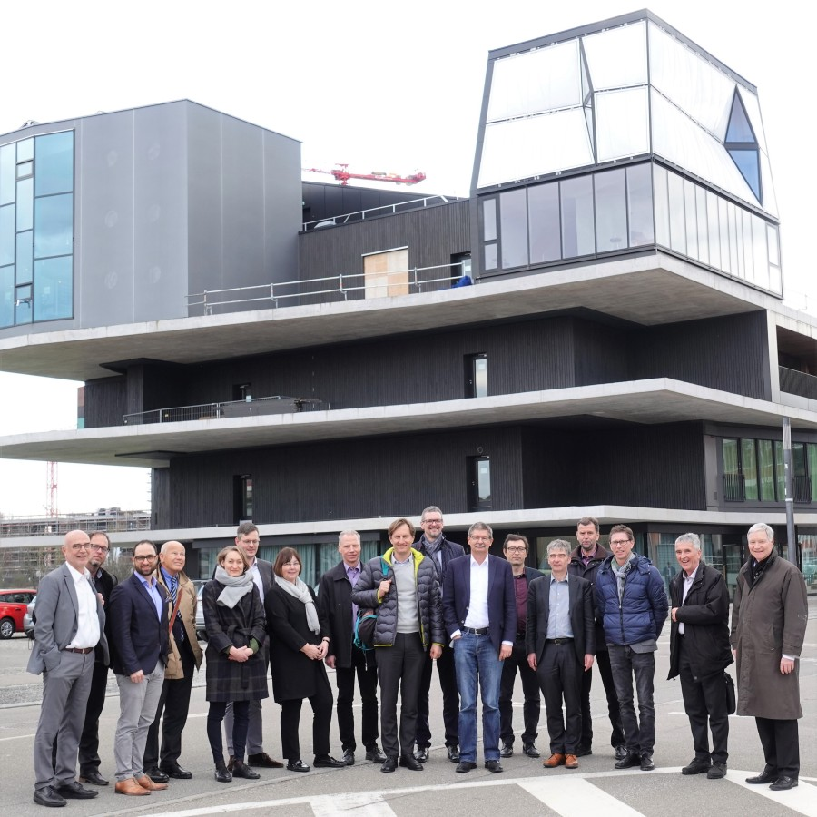 : The participants of the study trip in front of the innovative building project NEST. (Photo: WIFO)