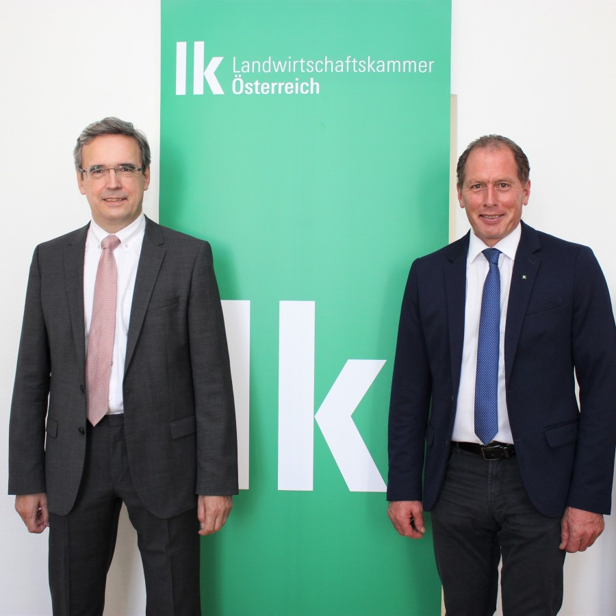 : WIFO economist Franz Sinabell and the President of the Austrian Chamber of Agriculture Josef Moosbrugger at the study presentation on 16 September 2020 – © LKÖ/Anna Schreiner